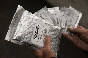 pacchetti in alluminio per conservare semi allo Svalbard Global Seed Vault